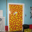 Voor slechtziende personen is de klink niet waarneembaar. Het vernieuwen van de deurkrukken zal niet alleen een visuele oplossing zijn maar zal ook de bediening vergemakkelijken.